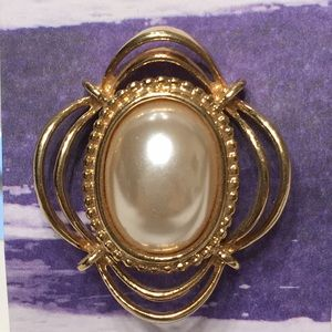COPY - SARAH COVENTRY Brooch Vintage Pearl gold t…
